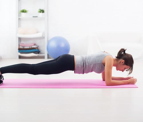 基本的な体幹トレーニングはプランク